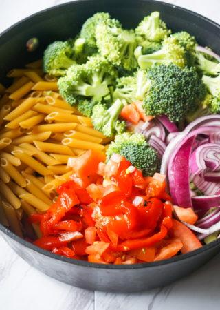 One Pot Chicken Broccoli Pasta
