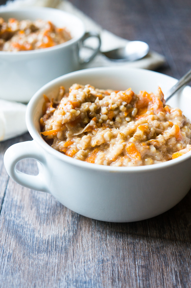 "Carrot Cake Steel Cut Oats. Made in the pressure cooker in only 10 minutes, these steel cut oats are drizzled with a cream cheese and greek yogurt ""frosting"" to spice up your morning breakfast!"