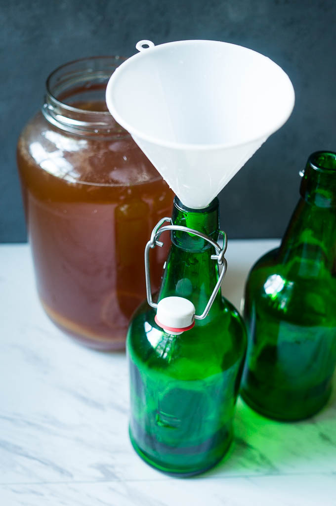 How to Make Kombucha at Home in only 6 Easy Steps.
