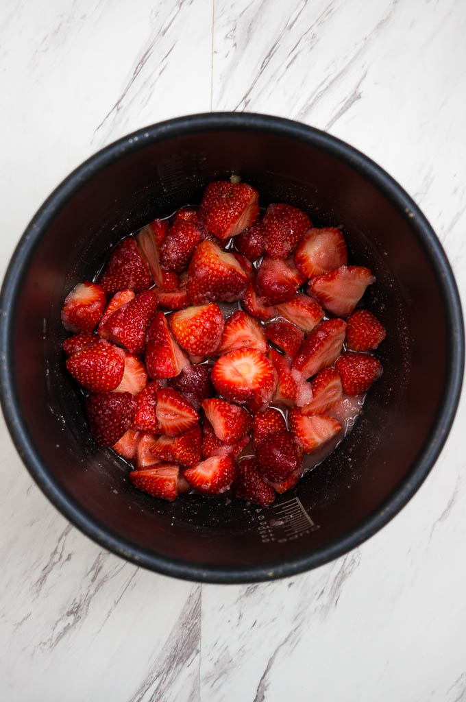 Pressure Cooker Strawberry jam cooks on high pressure for just 1 minute and gives you the most lovely fruity fresh jam!