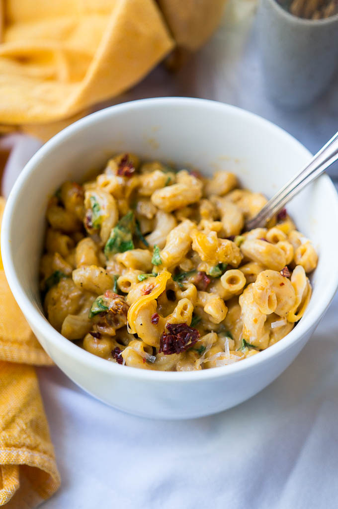 Pressure Cooker Savory Pumpkin Mac and Cheese is a dreamy, creamy mac with fall flavors that make you want more and more!