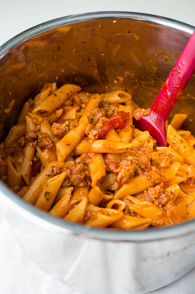 New Red Color Cooks Essentials PASTA /& SAUSAGE MAKER